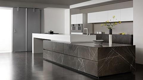 Eggersmann keuken in natuursteen met dik werkblad - luxe keuken, ASWA Keukens