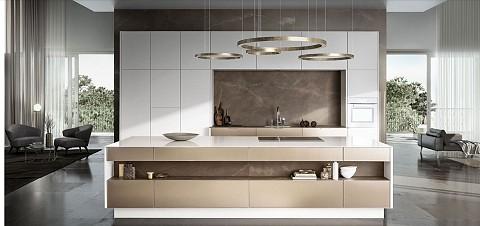 SieMatic Pure gouden keuken met wit keukenblad en witte kastenwand, ASWA Keukens