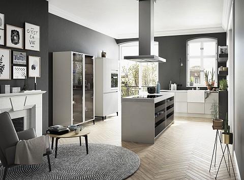 SieMatic Urban lichte keuken met voorbouw spoelbak en open lades, ASWA Keukens