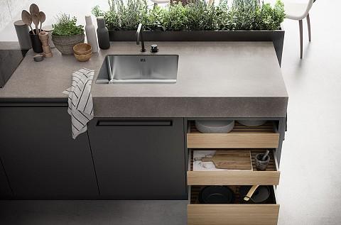 SieMatic Urban donkere keuken met dik en dun werkblad, ASWA Keukens