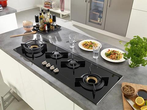 ATAG Gaskookplaat 4 pits met wok in panorama opstelling, Keukenapparatuur ASWA Keukens