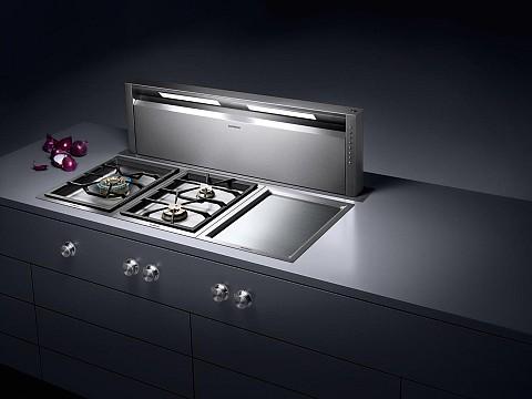 Gaggenau Profiline gas kookplaat met wokbrander en downdraft afzuigkap