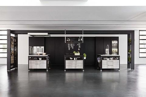 Luxe Eggersmann Work's zwart met rvs, ASWA Keukens