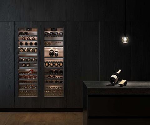 Keukenapparatuur Gaggenau wijnklimaatkast met donker met donker houten frame, Keukenapparatuur ASWA Keukens