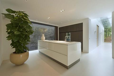 The Art of Living hoogglans keuken met houten kastenwand, Klantervaring ASWA Keukens