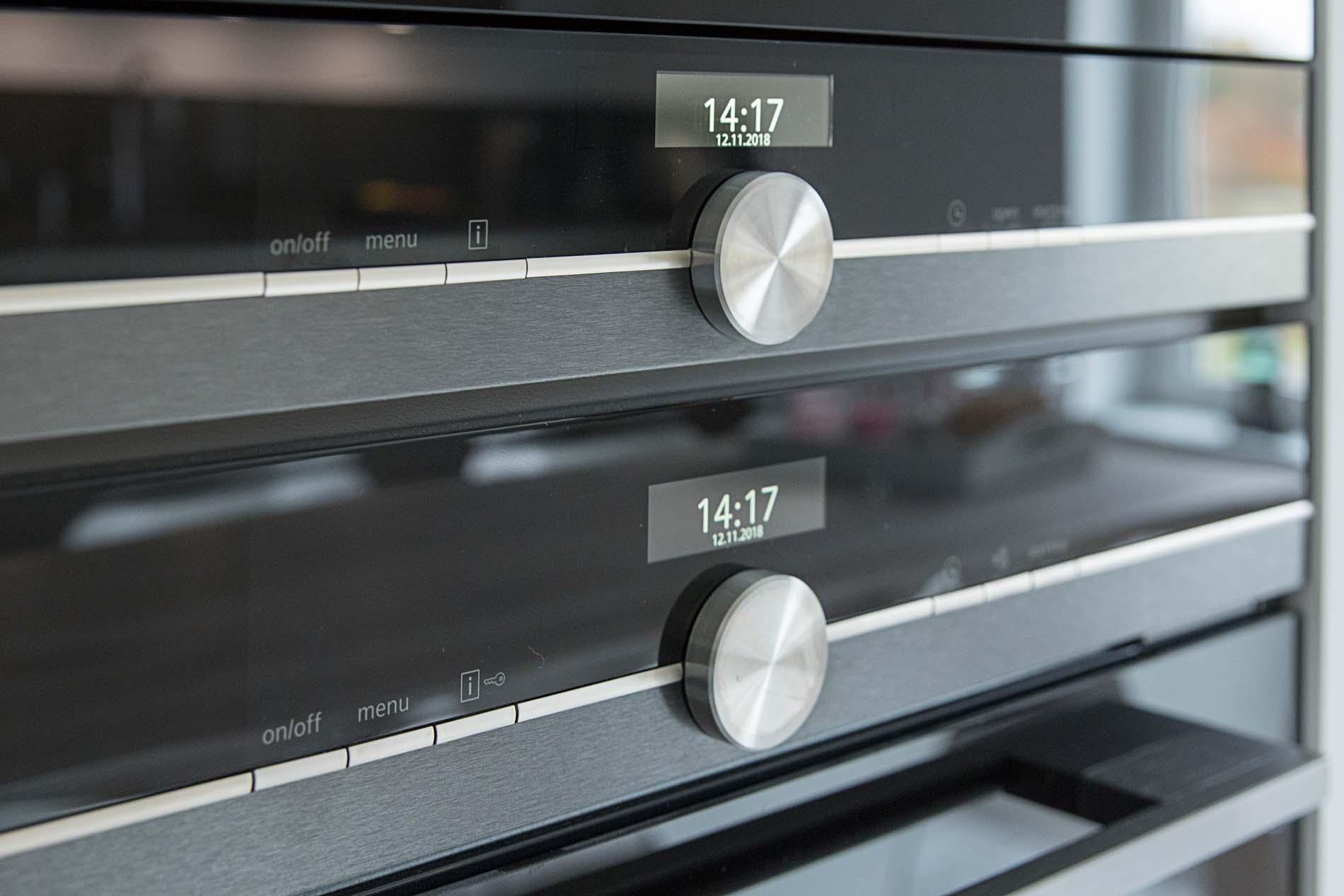 Siemens bakoven boven elkaar geplaatst, Keukenapparatuur ASWA Keukens