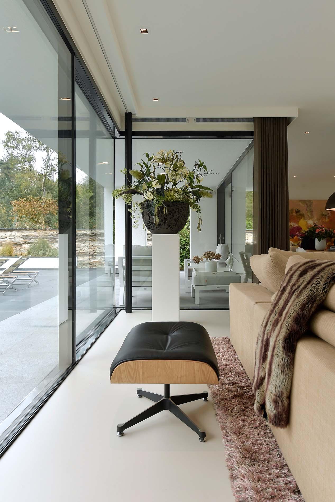 Moderne bungalow in de bossen The Art of Living, ASWA Keukens