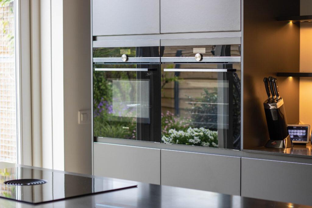 Siemens ovens in donkere kastenwand, Klantervaring ASWA Keukens